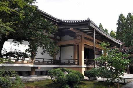 広隆寺 霊宝殿.jpg