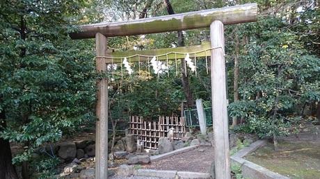 鳥居 元糺の池.jpg